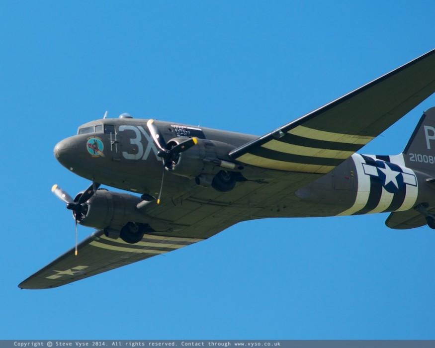 "Douglas C-47A Skytrain ""Drag 'em oot"" N473DC"
